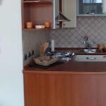 Wohnzimmer, Küche mit Esstisch